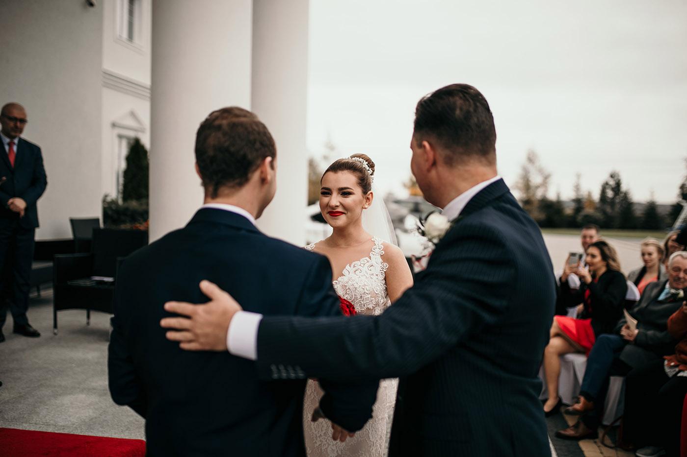 Ślub w Rezydencji Victoria - historia Julii i Stiana 25