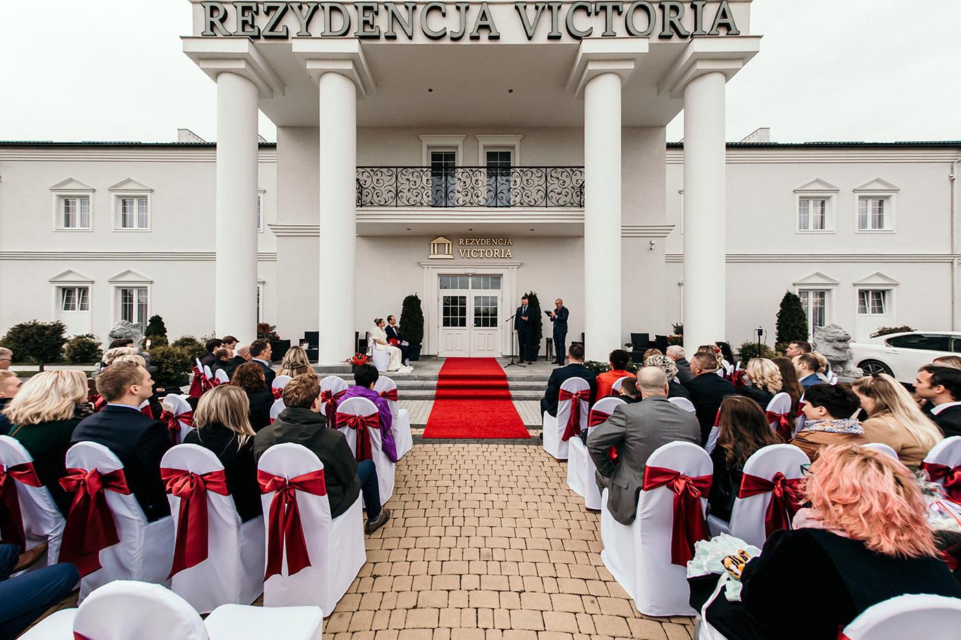 Ślub w Rezydencji Victoria - historia Julii i Stiana 32