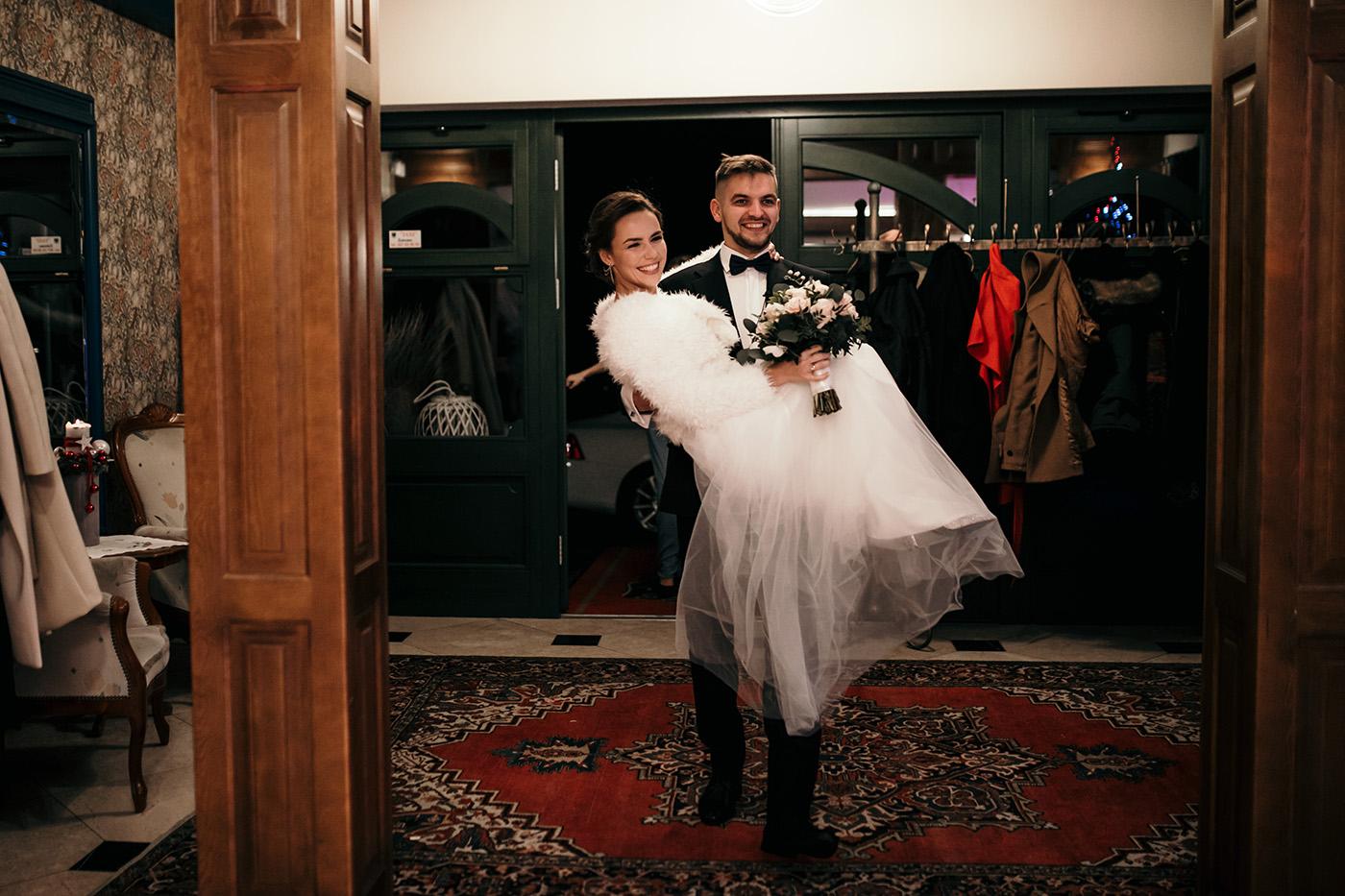 Ślub w Gościńcu Dla Przyjaciół - historia Asi i Konrada 100