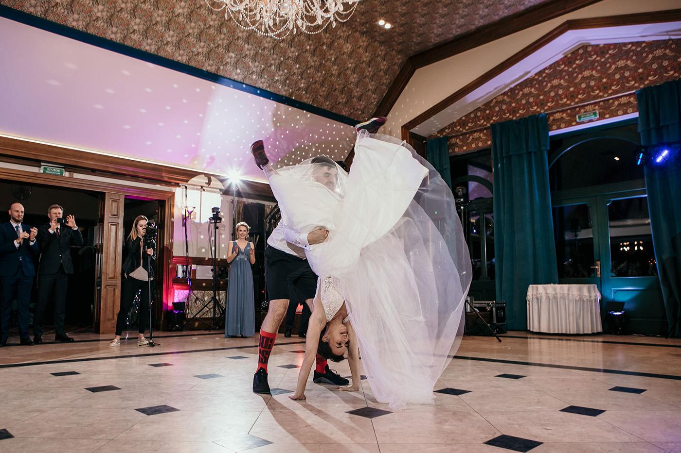 Ślub w Gościńcu Dla Przyjaciół - historia Asi i Konrada 106