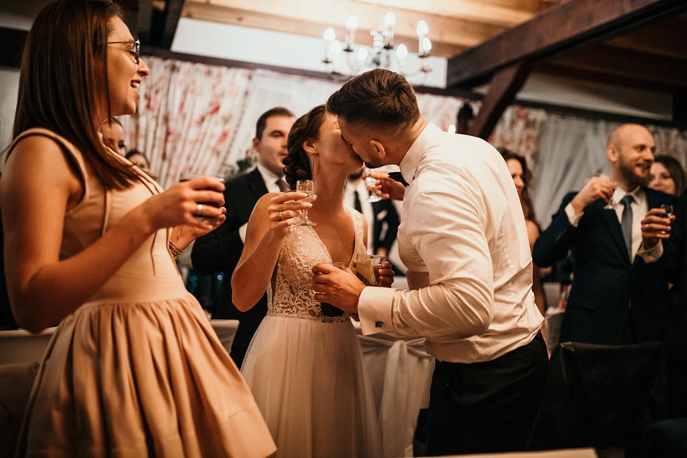 Ślub w Gościńcu Dla Przyjaciół - historia Asi i Konrada 118