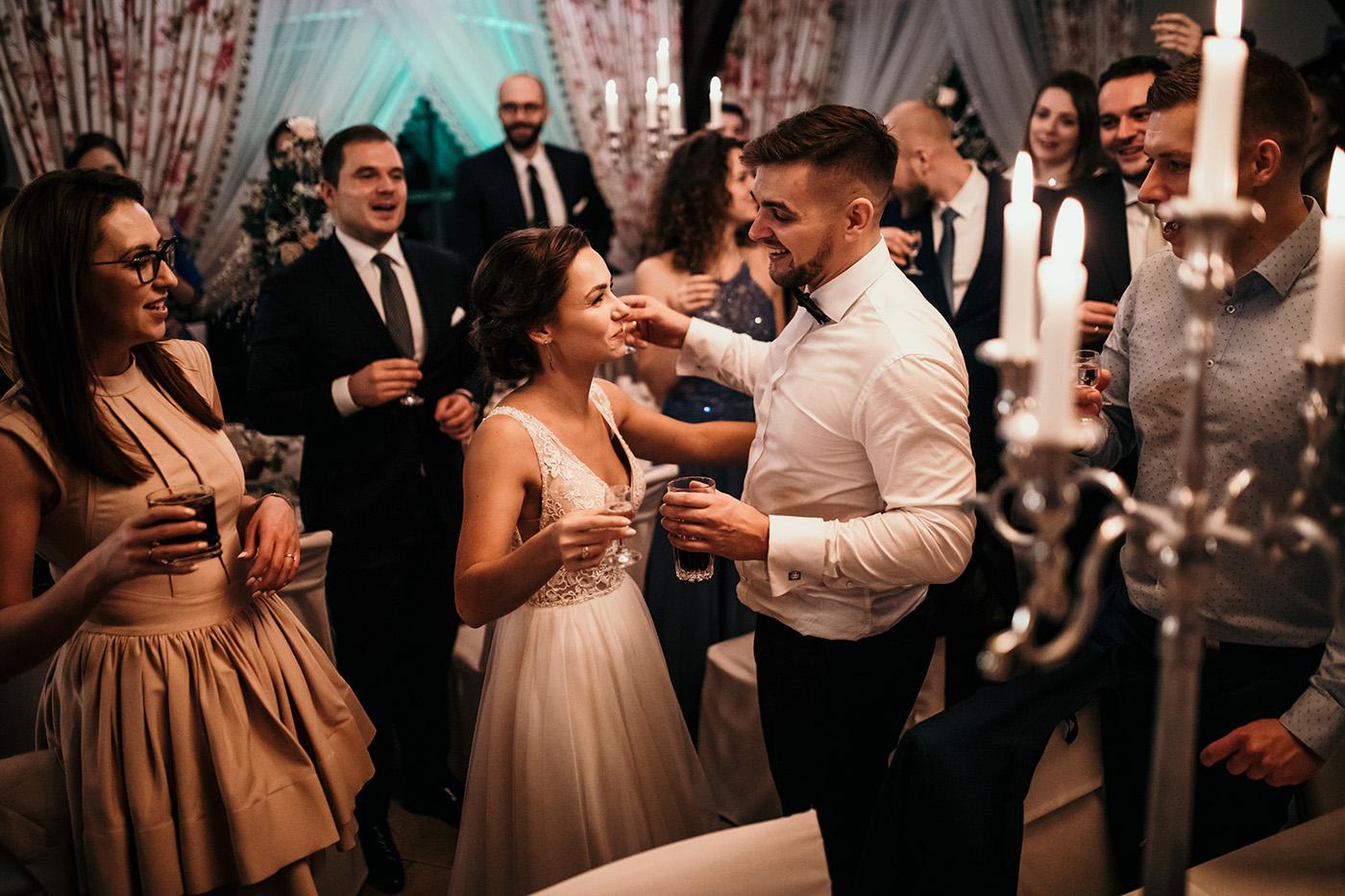 Ślub w Gościńcu Dla Przyjaciół - historia Asi i Konrada 119