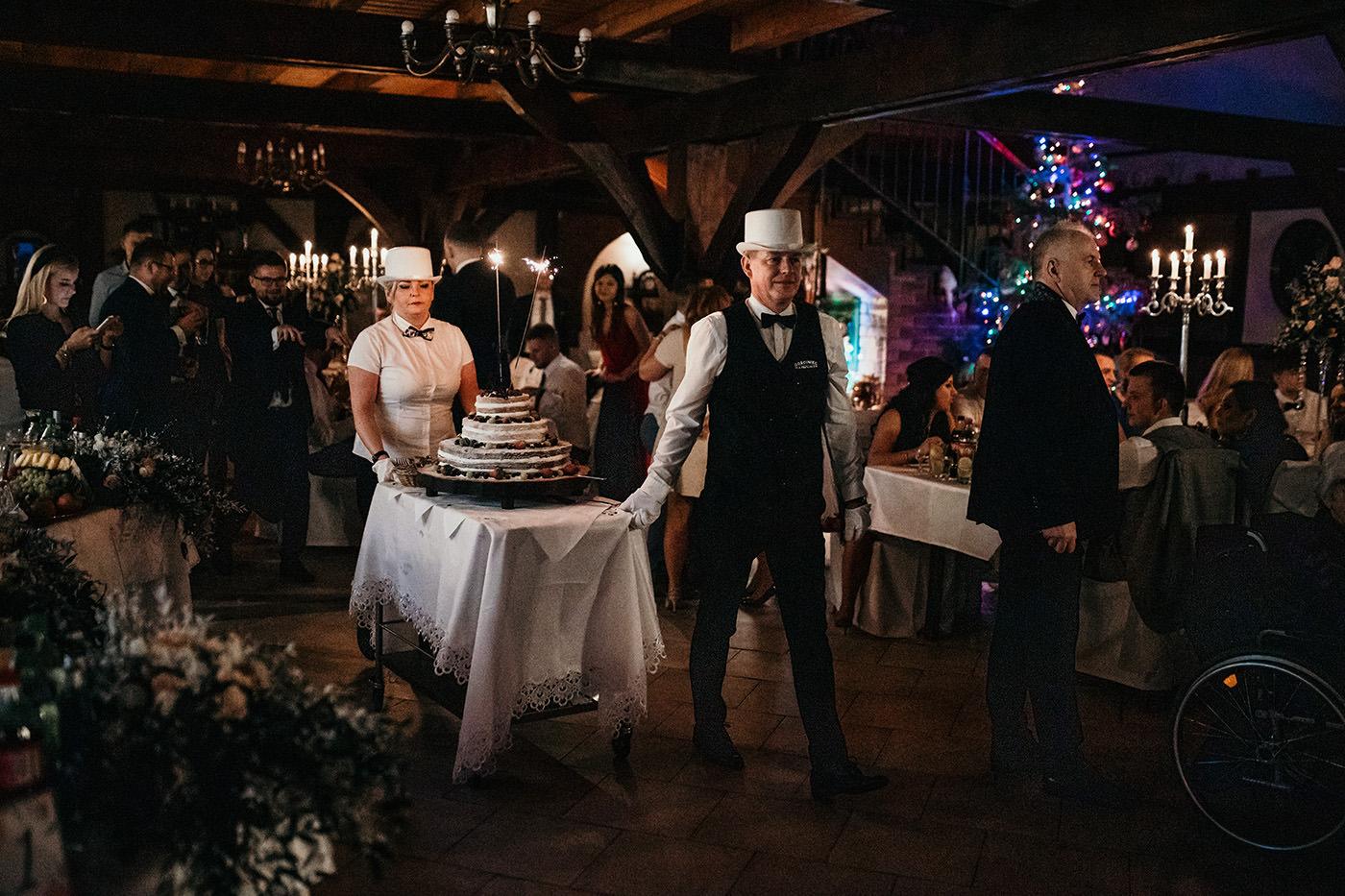Ślub w Gościńcu Dla Przyjaciół - historia Asi i Konrada 124