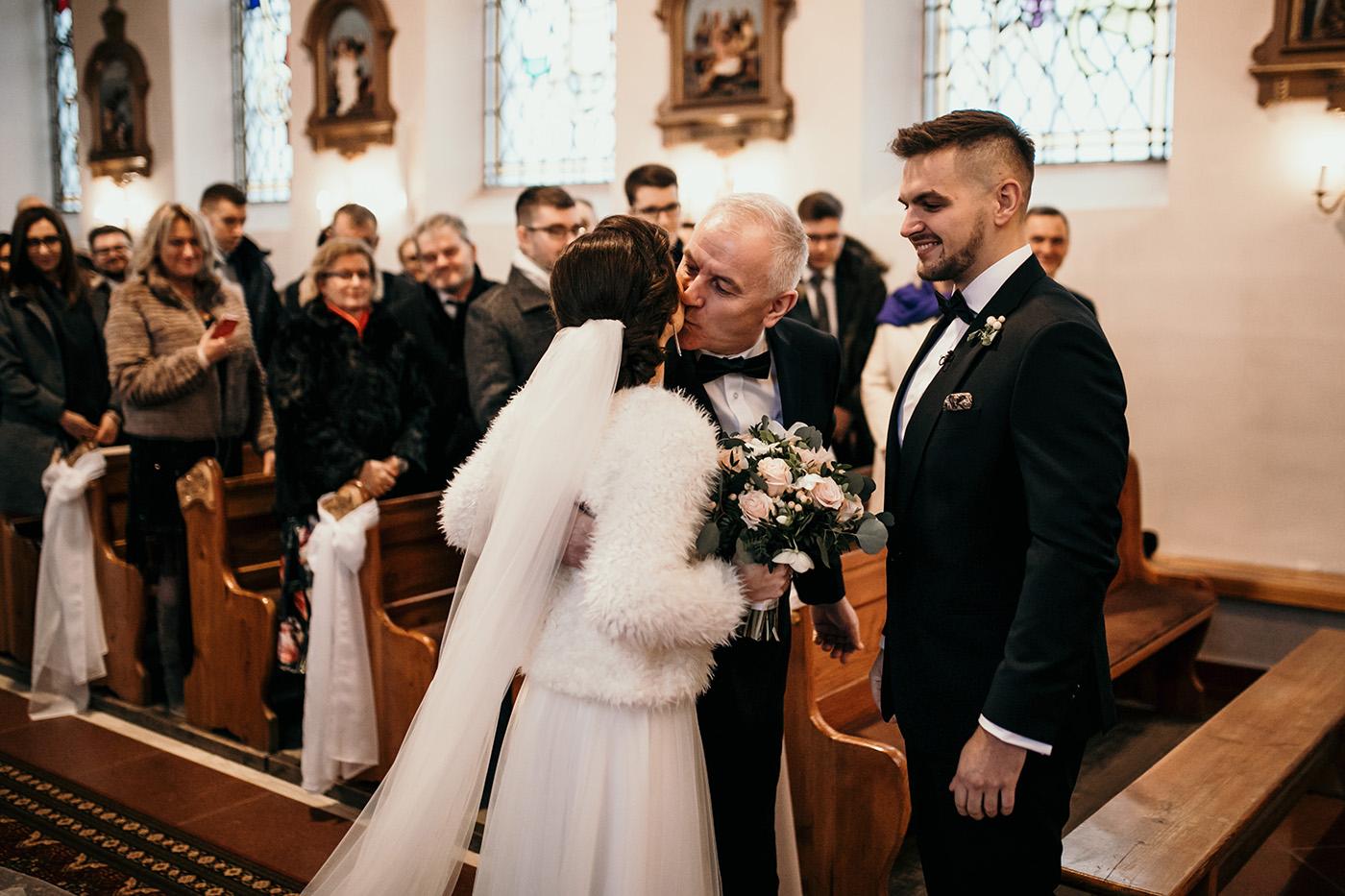 Ślub w Gościńcu Dla Przyjaciół - historia Asi i Konrada 68