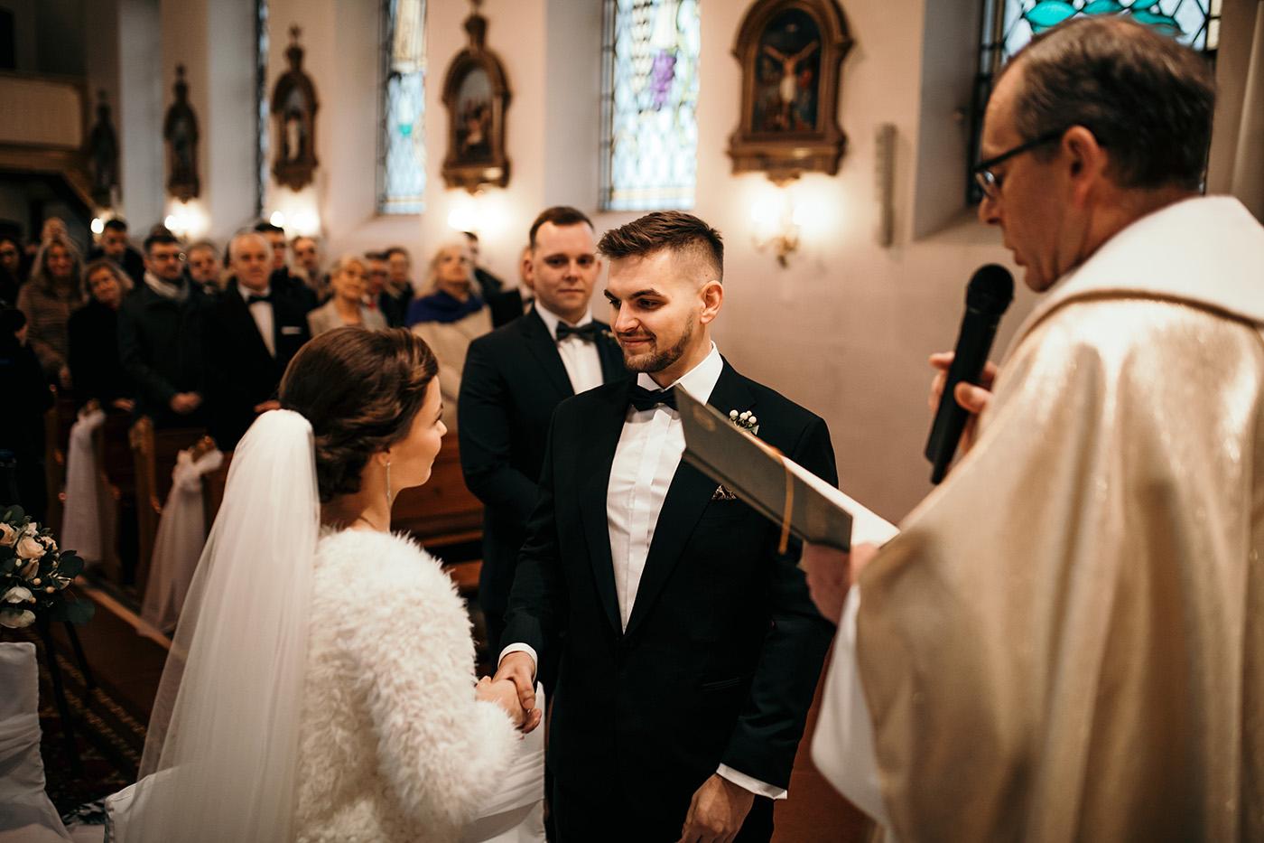 Ślub w Gościńcu Dla Przyjaciół - historia Asi i Konrada 74