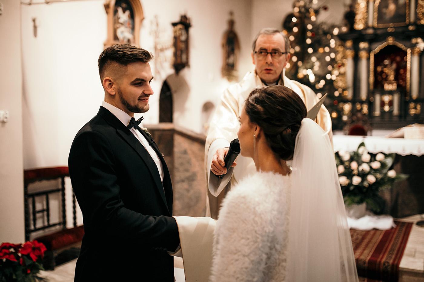 Ślub w Gościńcu Dla Przyjaciół - historia Asi i Konrada 77