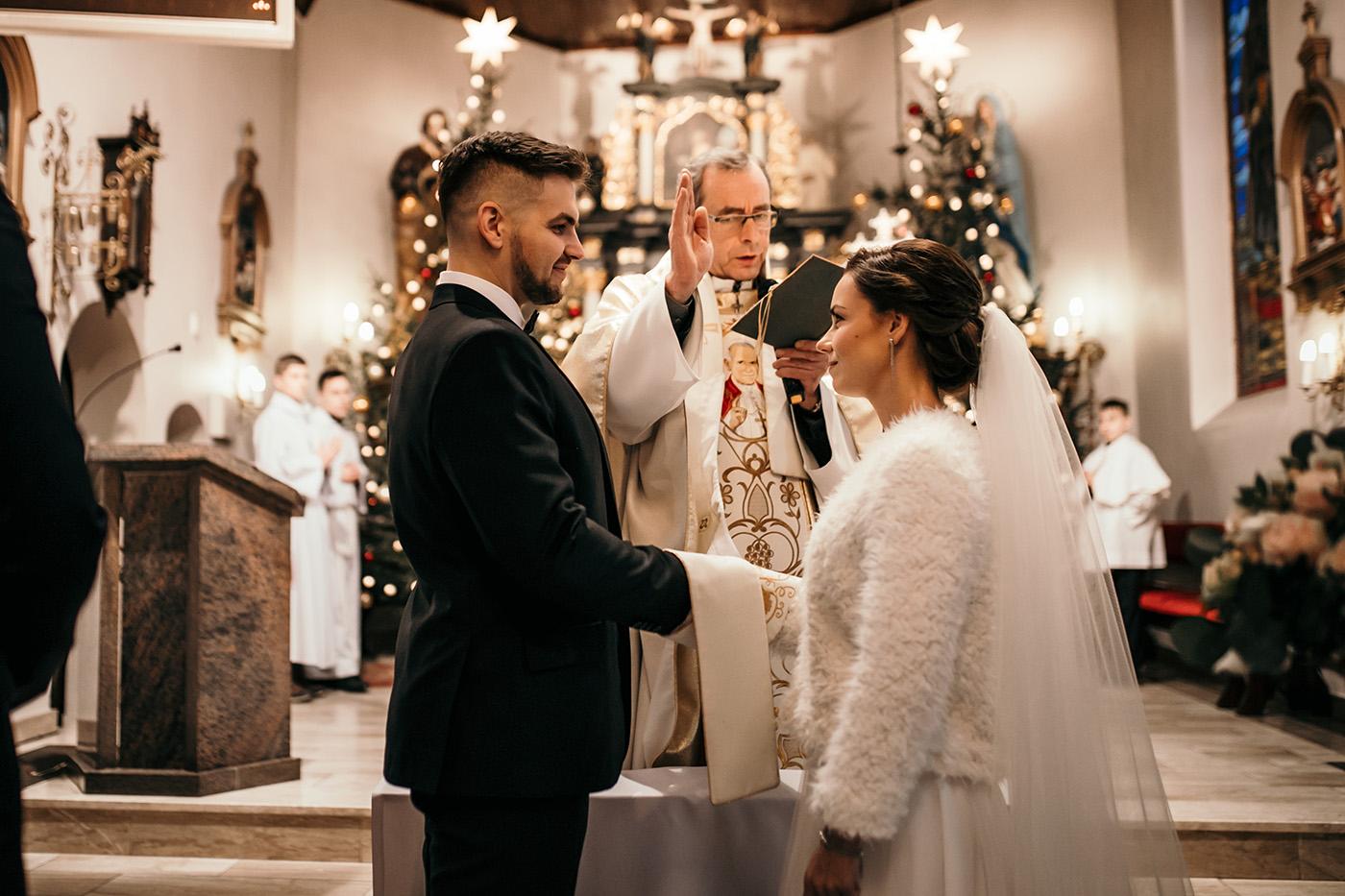 Ślub w Gościńcu Dla Przyjaciół - historia Asi i Konrada 80