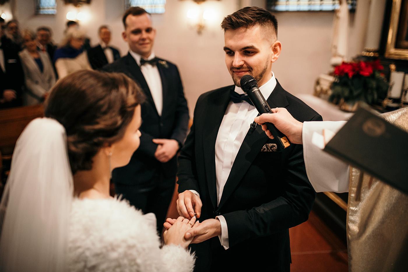 Ślub w Gościńcu Dla Przyjaciół - historia Asi i Konrada 82