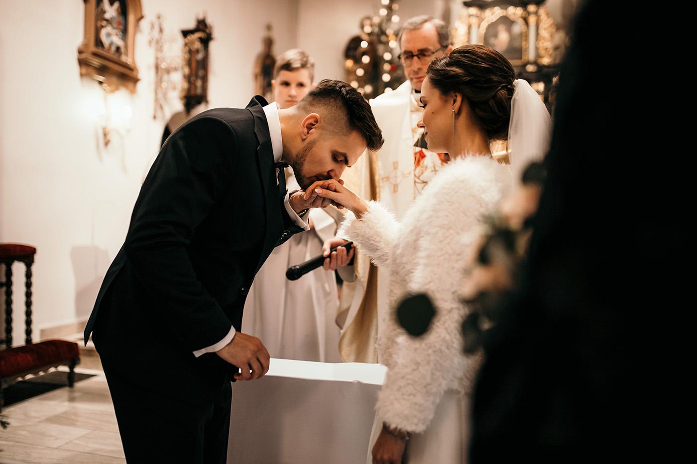 Ślub w Gościńcu Dla Przyjaciół - historia Asi i Konrada 83