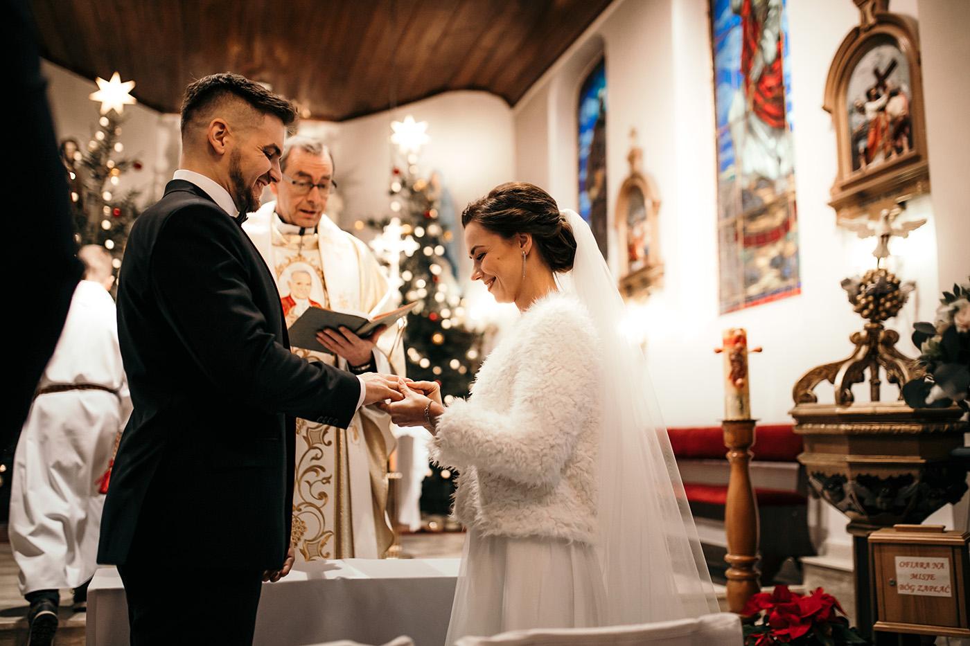 Ślub w Gościńcu Dla Przyjaciół - historia Asi i Konrada 85