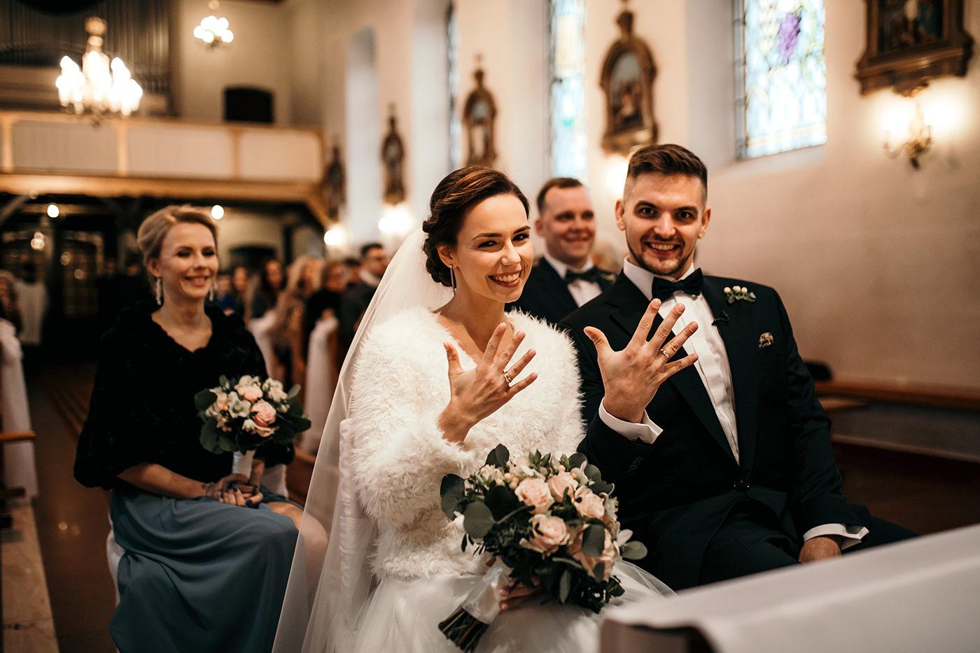 Ślub w Gościńcu Dla Przyjaciół - historia Asi i Konrada 87