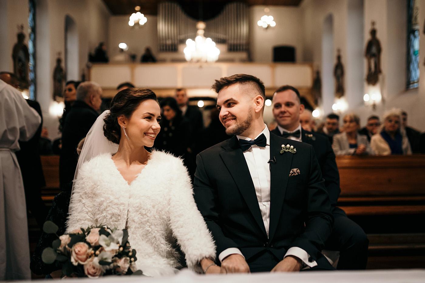 Ślub w Gościńcu Dla Przyjaciół - historia Asi i Konrada 91